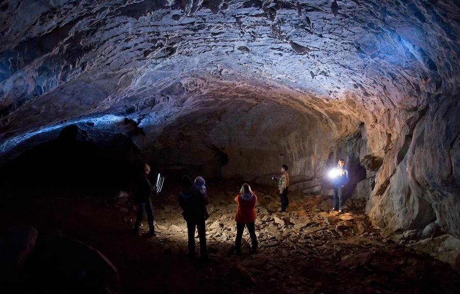 «Вот такая она! Самая загадочная пещера Кузбасса!» Азасская пещера. Шорский национальный парк, Россия. Фотография Е. Золотухина, https://www.moya-planeta.ru/reports/view/azasskaya_peshhera_2348.