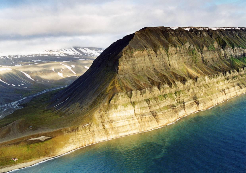 Шпицберген. Фотография http://lexicon.dobrohot.org/index.php/%D0%A8%D0%9F%D0%98%D0%A6%D0%91%D0%95%D0%A0%D0%93%D0%95%D0%9D,_(Spitsbergen)