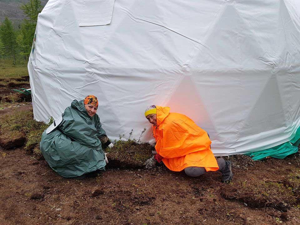 Лагерь «Заповедники Таймыра» на озере Лама. Фотография с сайта ФБГУ «Объединенная дирекция заповедников Таймыра», http://zapovedsever.ru/.