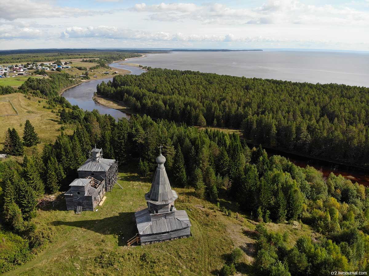Пурнема. Никольская церковь - старейшее деревянное строение Беломорья. Фотография Дмитрия Шилова.